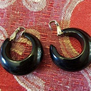 Jewelry - Vintage black hooped clip on earrings